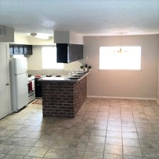 Dining/Kitchen at Listing #228398