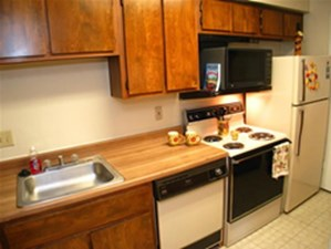 Kitchen at Listing #140336