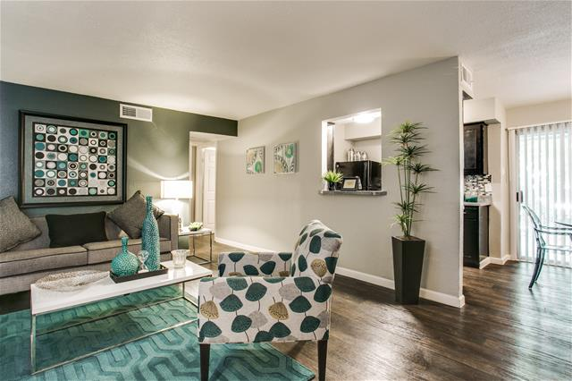 Living at Listing #136430