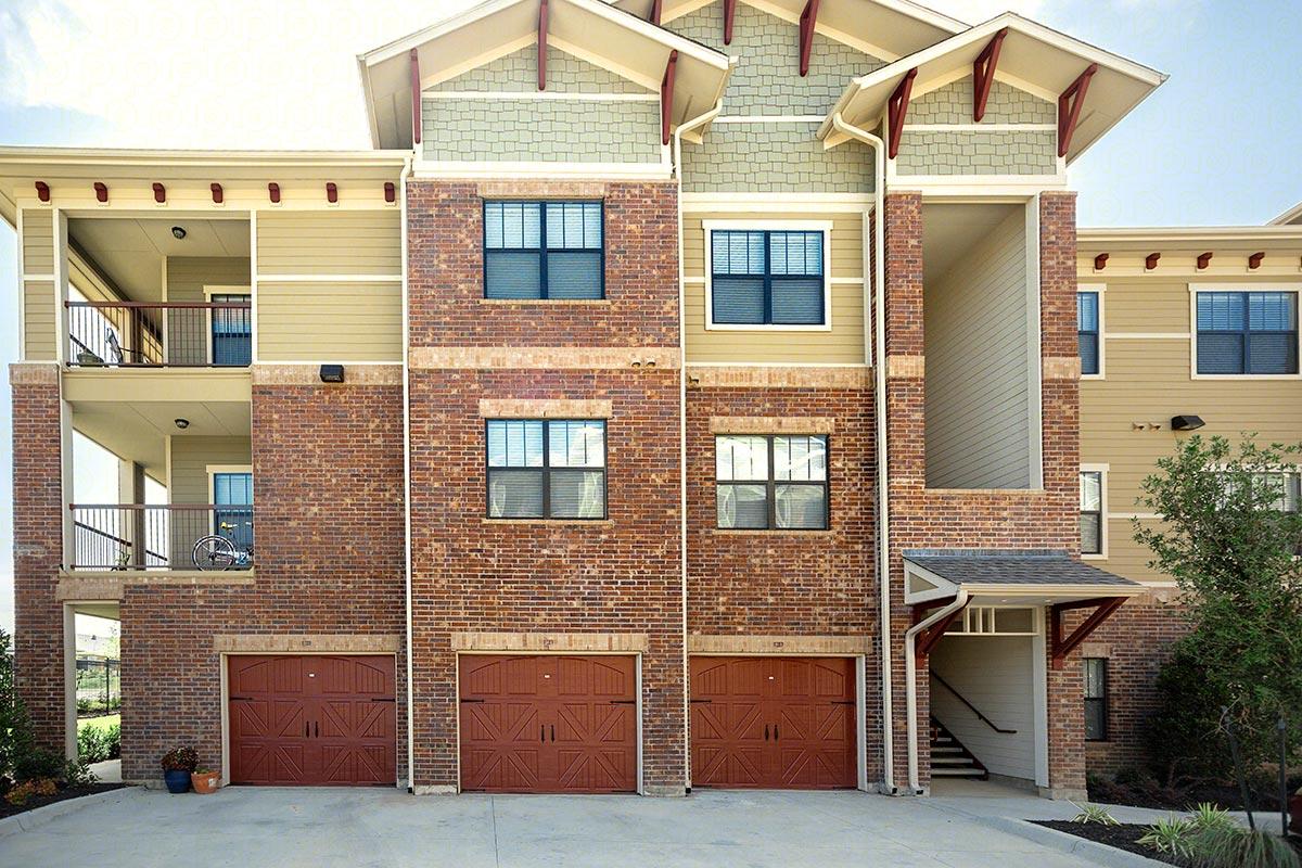 Avenues at Carrollton Apartments