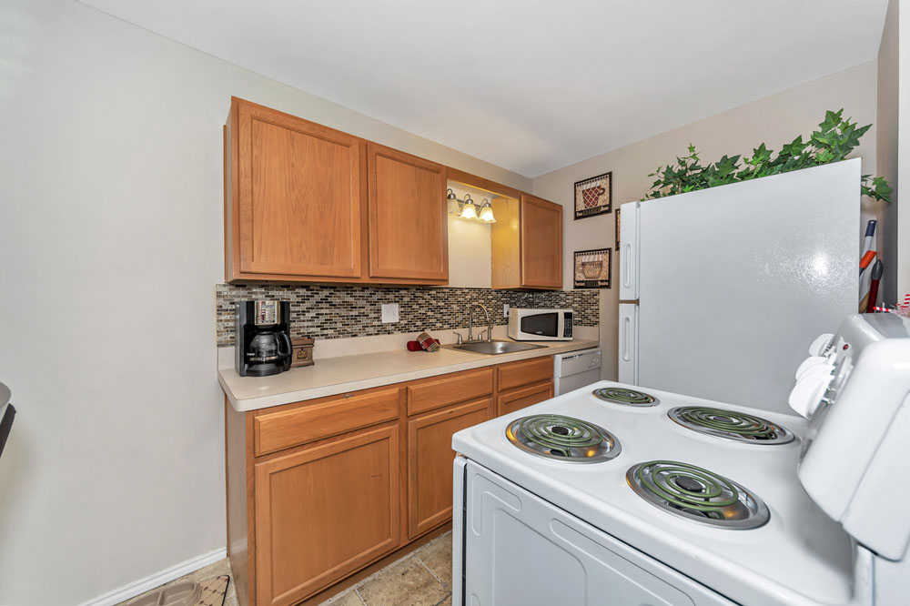 Kitchen at Listing #136841