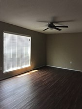 Spacious Living Area at Listing #137079