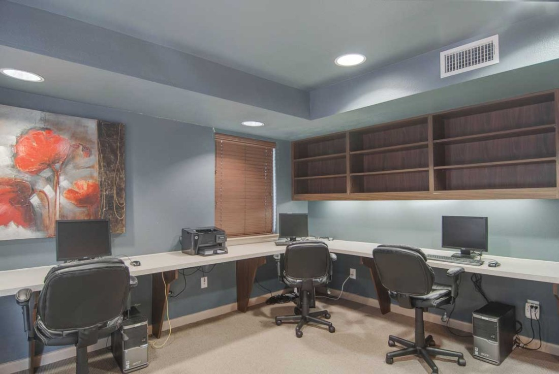 Business Center at Listing #138933
