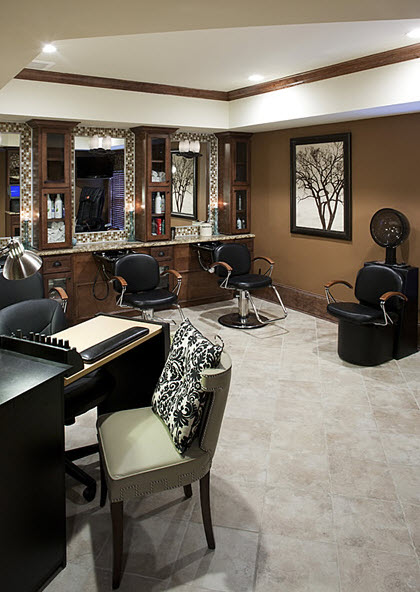 Beauty Salon at Listing #137539