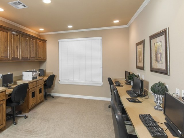 Business Center at Listing #144173