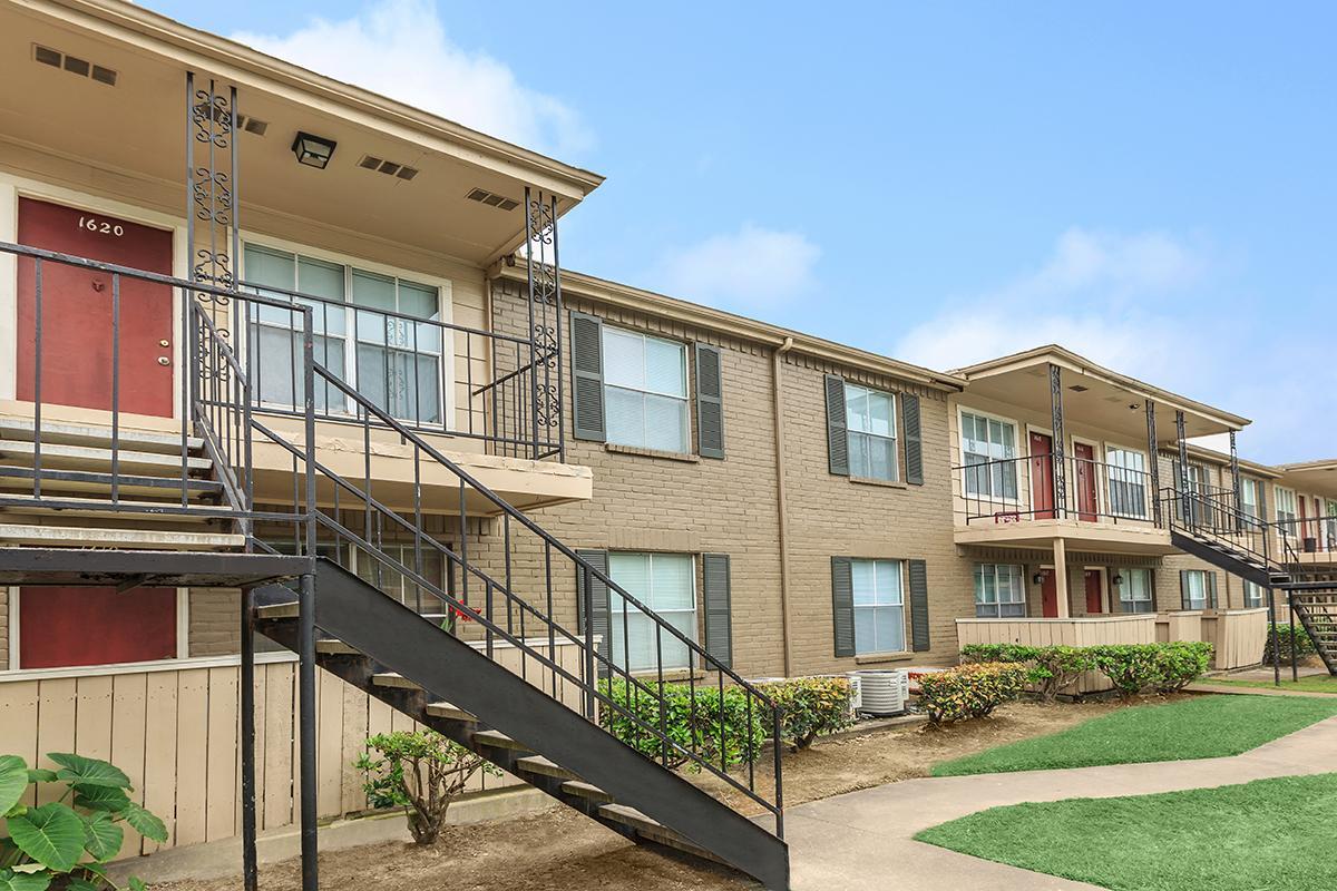 Westchase Grand Apartments Houston TX