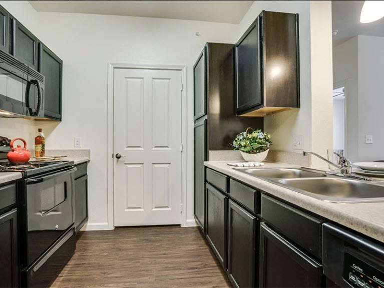 Kitchen at Listing #264026