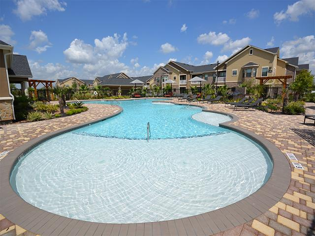 Avenues at Tuscan Lakes Apartments League City, TX