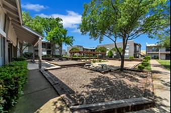 Mission Pointe Club at Listing #136923