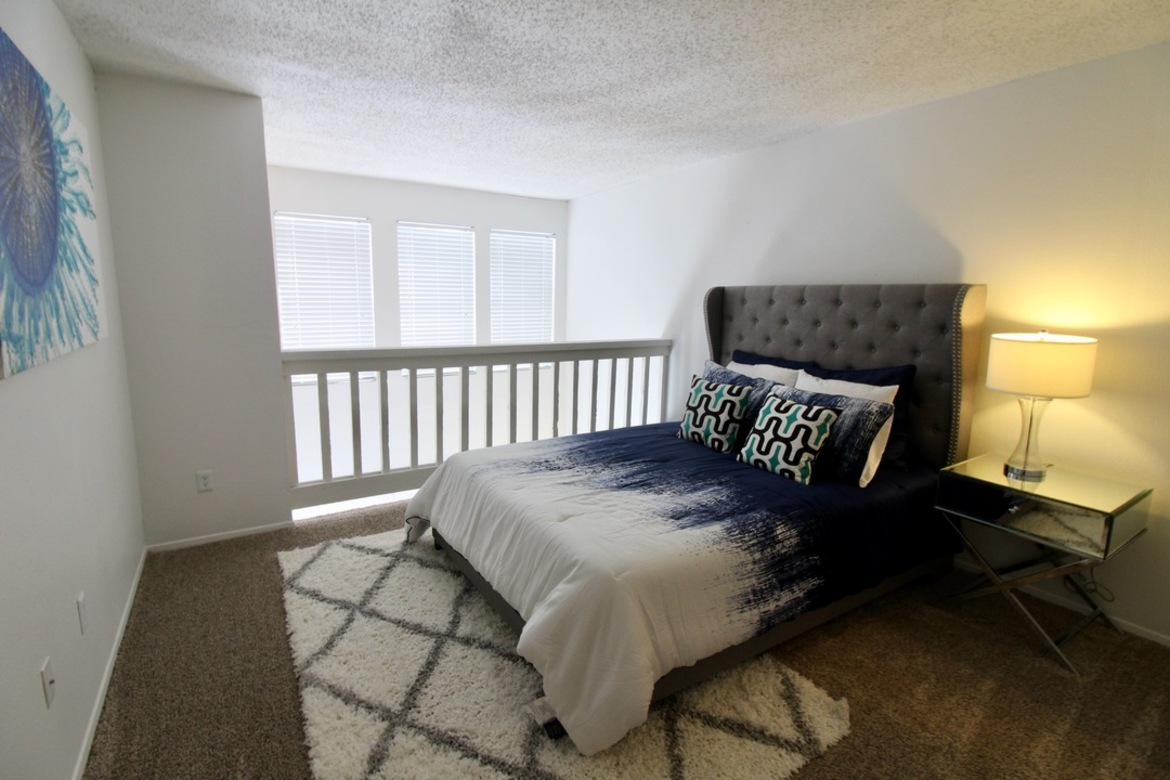 Bedroom at Listing #140472