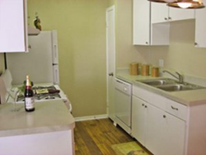 Kitchen at Listing #141200