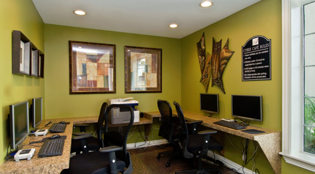 Business Center at Listing #138762