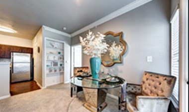 Dining at Listing #138003