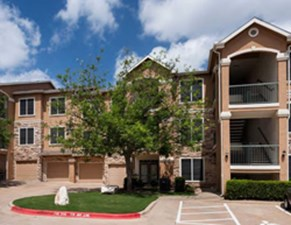 Exterior at Listing #140758