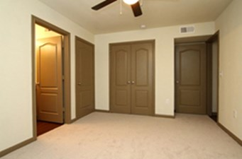 Bedroom at Listing #144375