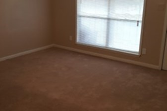 Bedroom at Listing #139041