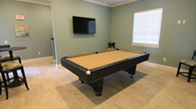 Gameroom at Listing #283231