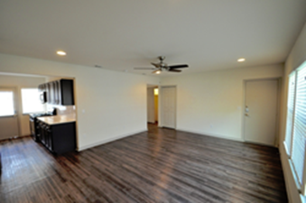 Living/Kitchen at Listing #293432