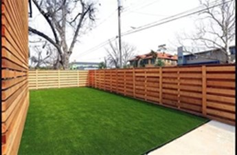Private Yard at Listing #308198