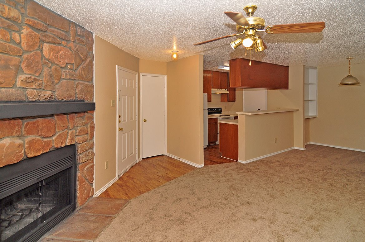 Living Area at Listing #136126