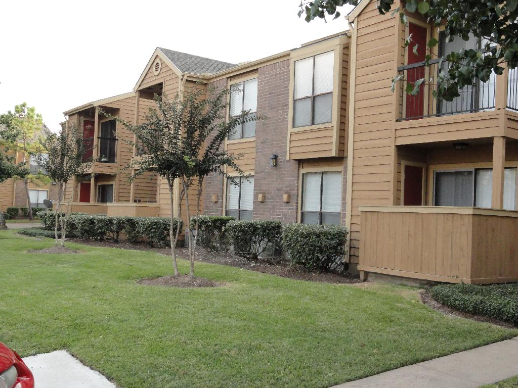 Fairway Square Apartments Alvin TX