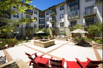 Exterior 3 at Listing #140344