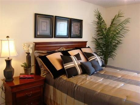 Bedroom at Listing #138310