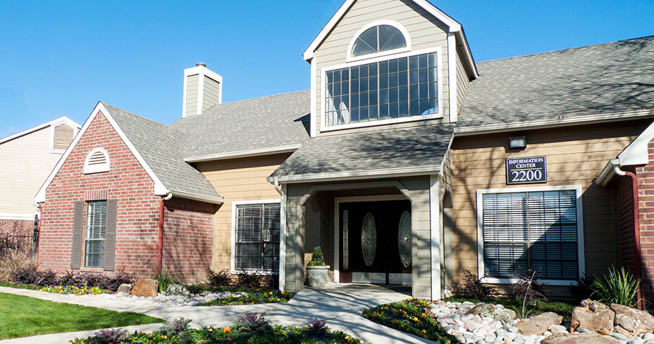 Exterior at Listing #136940