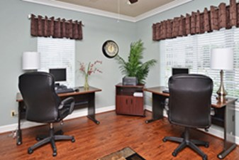 Business Center at Listing #138863