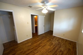 Living at Listing #140740