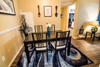 Dinning at Listing #139370