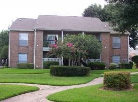 Exterior at Listing #138989