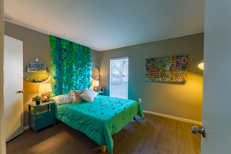 Bedroom at Listing #136055