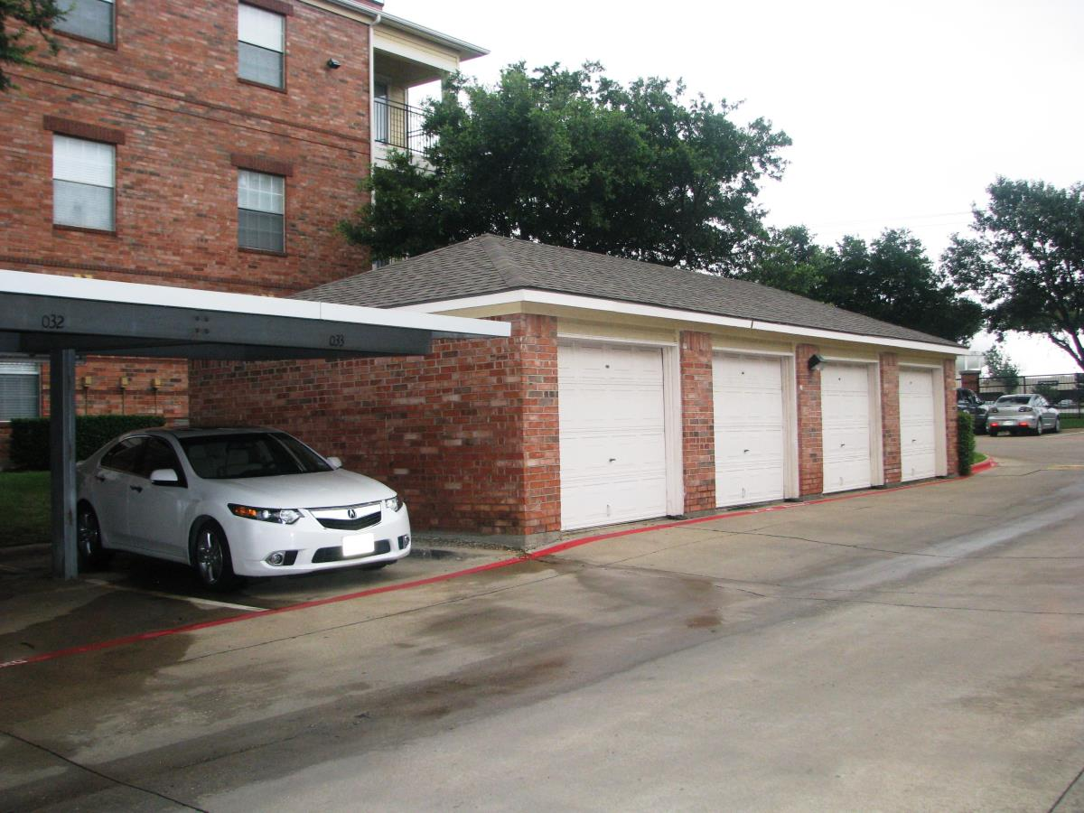 Exterior at Listing #137620