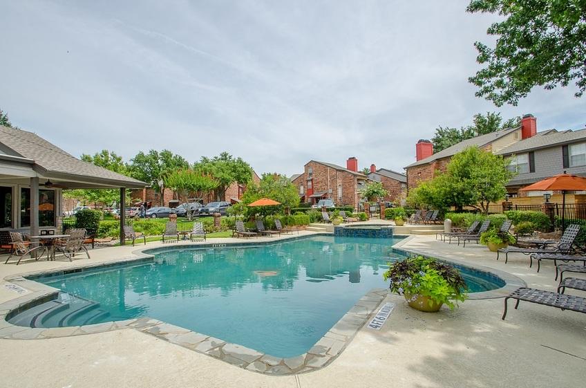 Pool at Listing #136314