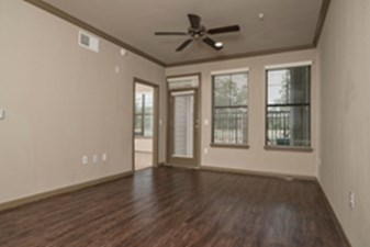 Living at Listing #295845