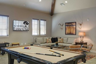 Gameroom at Listing #259429