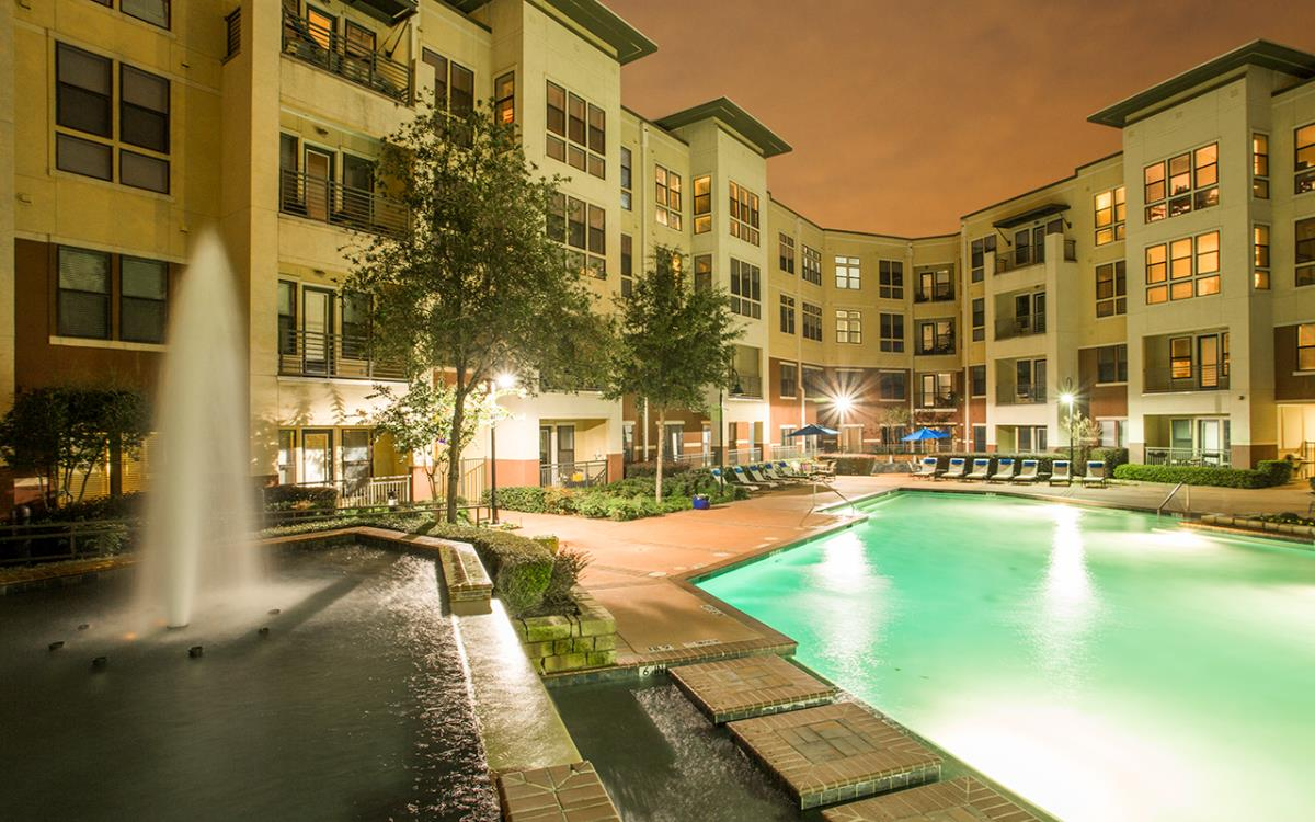 Pool at Listing #145775