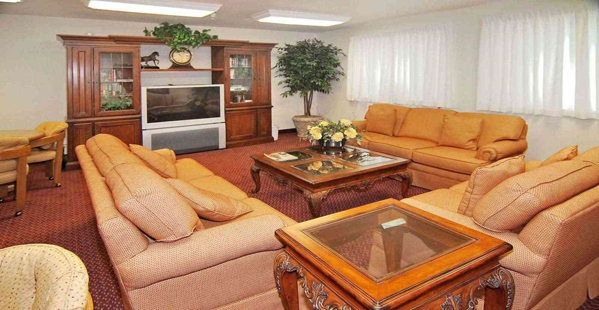 Lounge at Listing #144607
