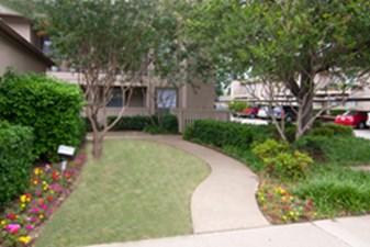 Exterior at Listing #136436