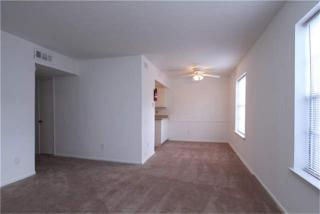 Living at Listing #139428