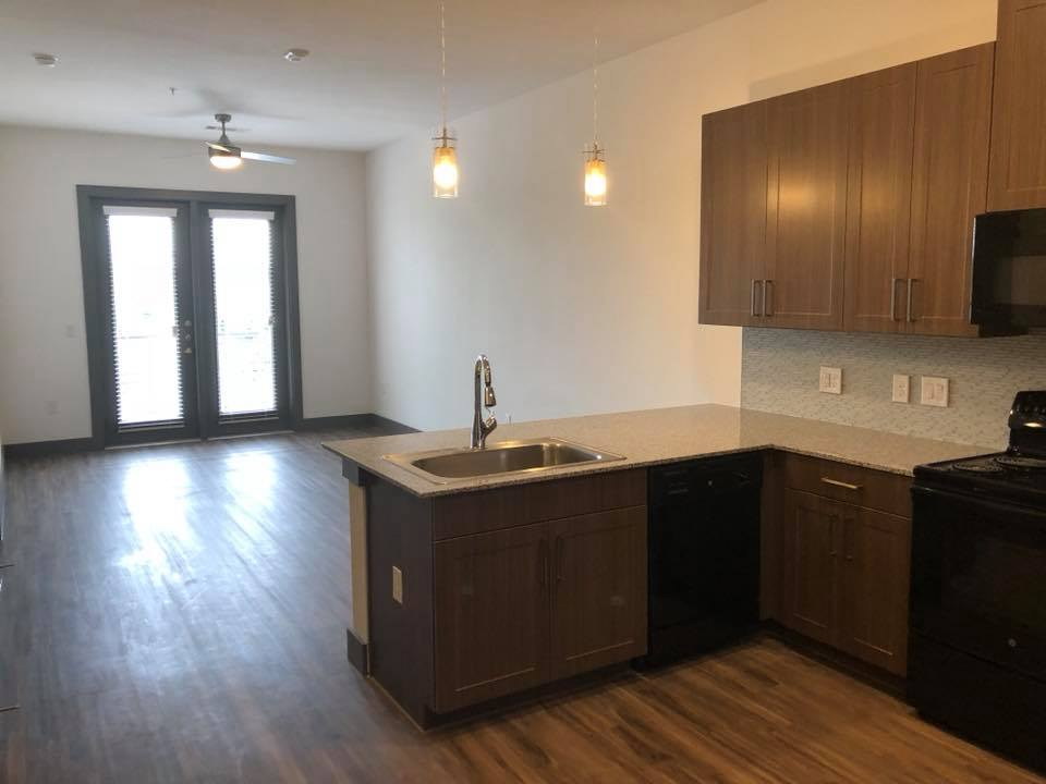 Living/Kitchen at Listing #283328