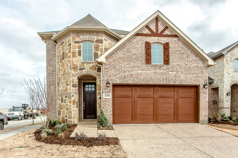 Exterior at Listing #298168