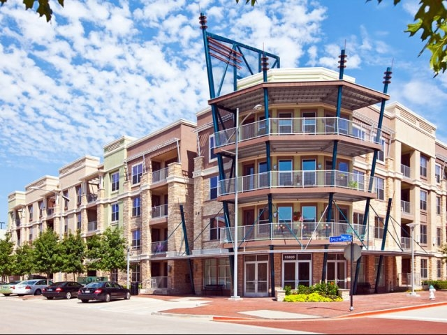 Allegro Addison Circle II Apartments Addison TX