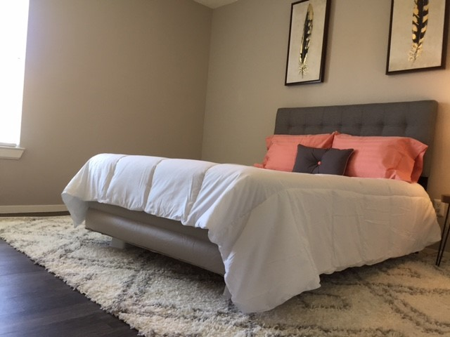 Bedroom at Listing #143463