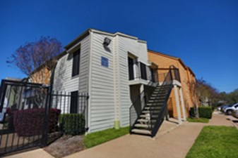 Exterior at Listing #136866