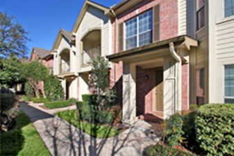 Exterior at Listing #140128