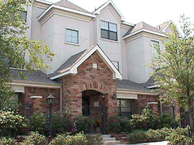 Exterior at Listing #137699