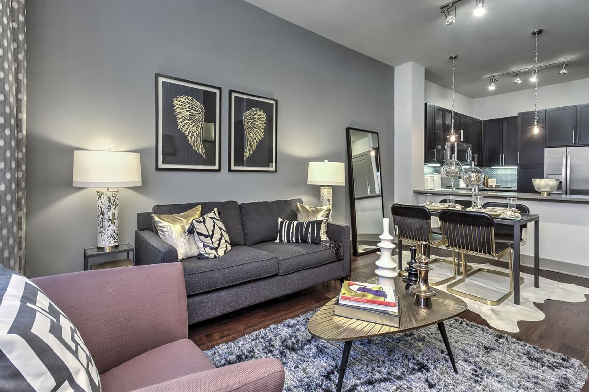 Living at Listing #281397