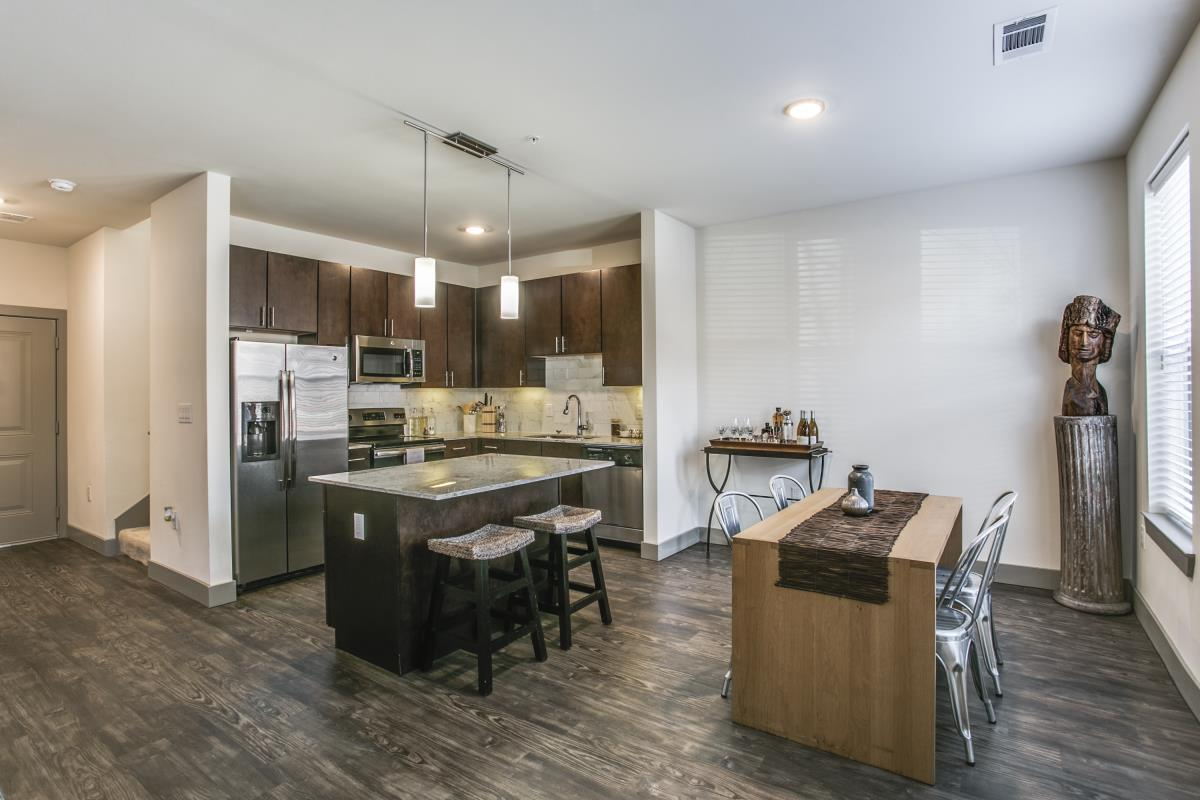 Dining/Kitchen at Listing #269819